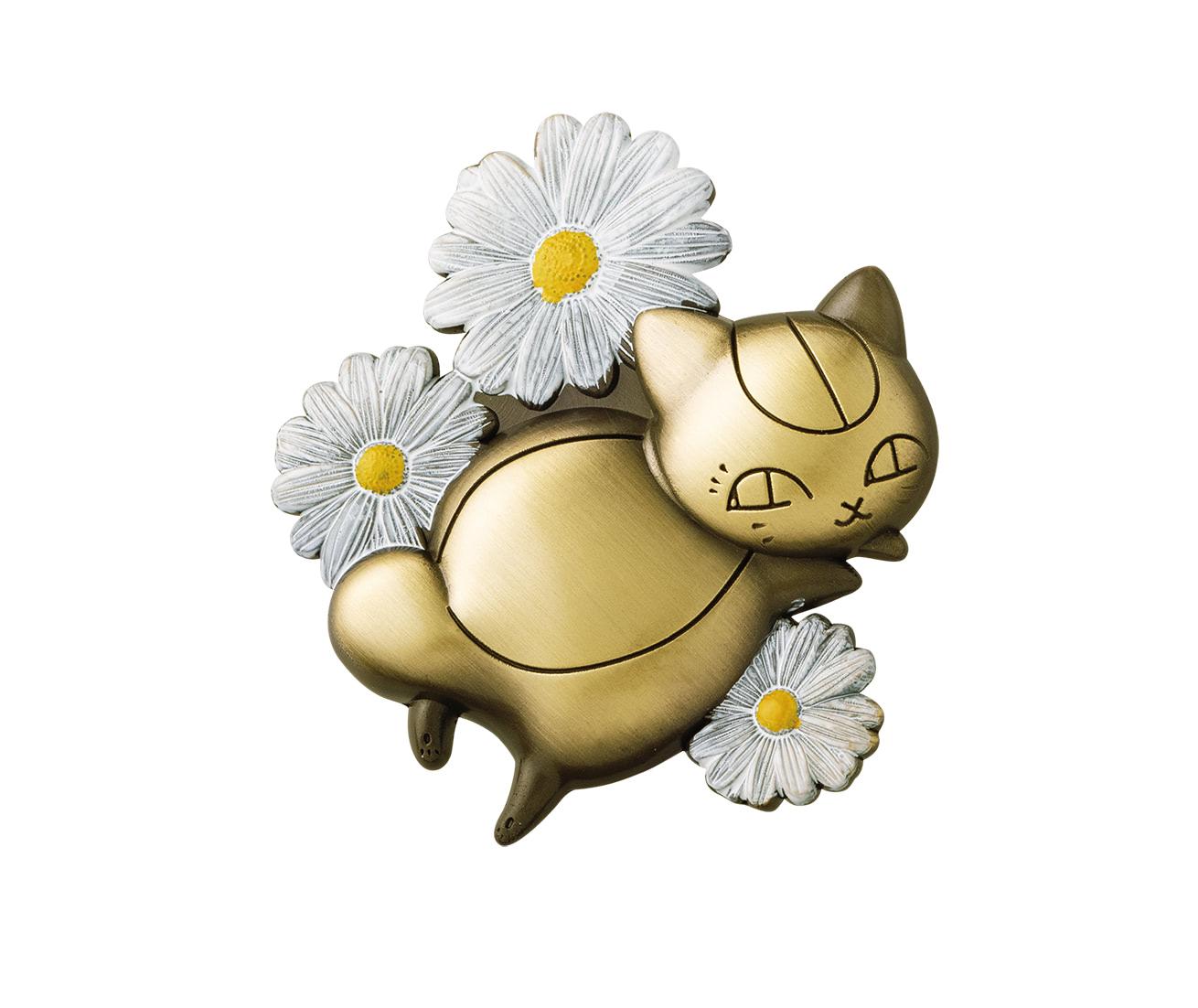 ニャンコ先生のお花ブローチ